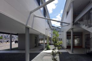 南山城学園